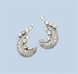 A PAIR OF DIAMOND EARCLIPS, BY