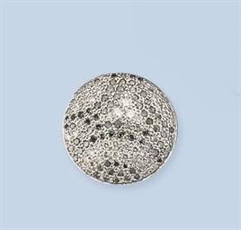 A DIAMOND DRESS RING, BY CARTI