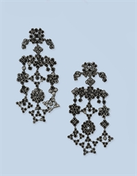 A PAIR OF BLACK DIAMOND EARRIN