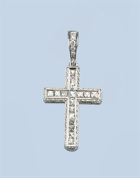 A FINE DIAMOND CROSS PENDANT