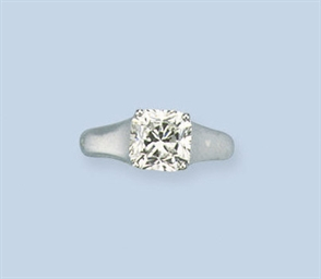 A DIAMOND SINGLE STONE RING, B
