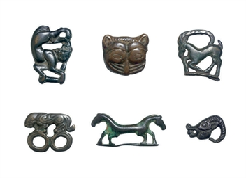A GROUP OF EIGHT BRONZE FIGURA