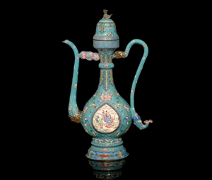 A CANTON ENAMELLED EWER AND DO