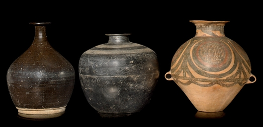 A GROUP OF THREE LARGE CERAMIC