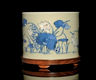 AN UNDERGLAZE BLUE AND WHITE,