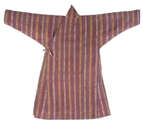 A ROBE OF STRIPED COTTON