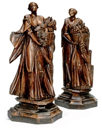A PAIR OF FRENCH CARVED WOOD F