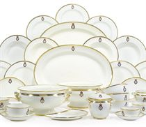 A COPELAND-SPODE AND MINTON CRESTED PART DINNER SERVICE