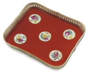 A VIENNA PORCELAIN CORAL-RED-G