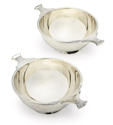 A PAIR OF GEORGE V SILVER QUAI