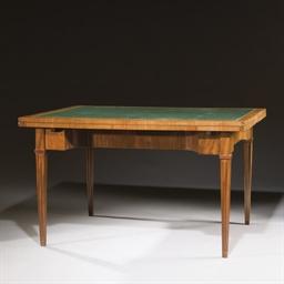 TABLE A JEUX DE STYLE NEOCLASS