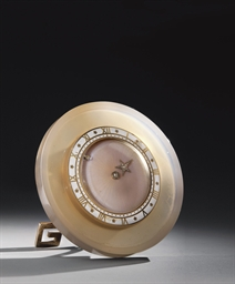 PENDULETTE DE TABLE ART DECO E