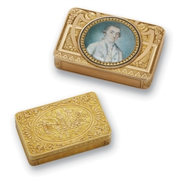 TWO SWISS GOLD SNUFF-BOXES, ON