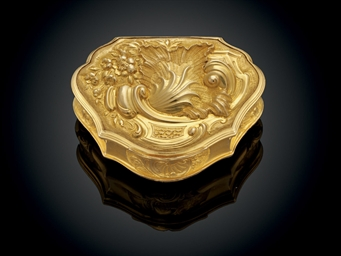 A GEORGE II GOLD SNUFF-BOX