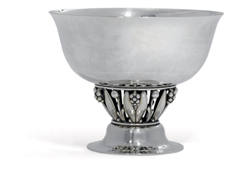 A DANISH BOWL DESIGNED BY GEOR