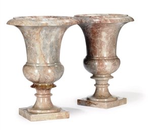 A PAIR OF VARIEGATED MARBLE CA