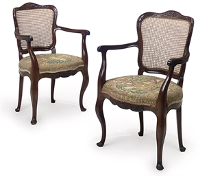 A PAIR OF ROSEWOOD FAUTEUILS