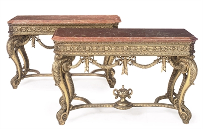 A PAIR OF CARVED GILTWOOD AND
