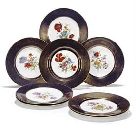 EIGHT MINTONS CABINET PLATES