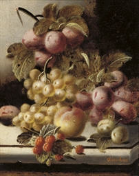 Plums, grapes, a peach and ras