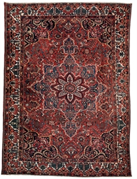 A LARGE BAKHTIARI CARPET, WEST