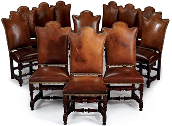 A SET OF TWELVE ITALIAN WALNUT