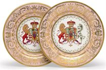 TWO WORCESTER (FLIGHT, BARR & BARR) PORCELAIN SALMON-GROUND PLATES FROM 'THE STOWE SERVICE'