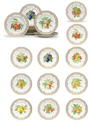 A SET OF TWELVE ROYAL COPENHAG
