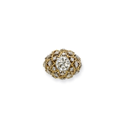 A GOLD AND DIAMOND RING, MOUNT