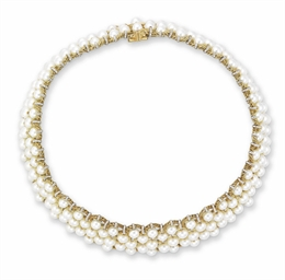 A CULTURED PEARL CHOKER, BY BU