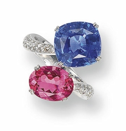 A SAPPHIRE AND SPINEL RING