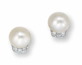 A PAIR OF RARE NATURAL PEARL A