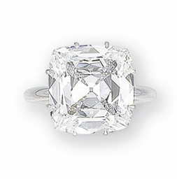 AN EXCEPTIONAL DIAMOND RING
