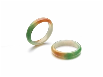A PAIR OF RARE JADEITE BANGLES