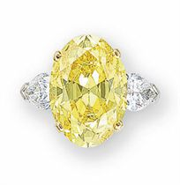 A SUPERB COLOURED DIAMOND AND DIAMOND RING, BY GRAFF