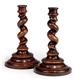 A PAIR OF VICTORIAN TURNED FRU