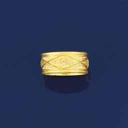 A late medieval gold posy ring