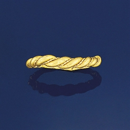 An early medieval gold ring