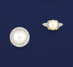 Seven cultured pearl rings
