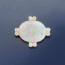 AN SUITE OF OPAL JEWELLERY