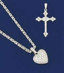 A diamond heart pendant neckla
