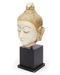 A BURMESE MARBLE BUDDHA HEAD