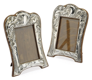 A PAIR OF EDWARDIAN ART NOUVEA