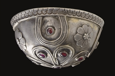 AN EAST GREEK SILVER AND GARNE