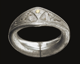 A GREEK SILVER FINGER RING
