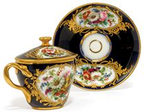 A SEVRES-STYLE PORCELAIN CHOCOLATE CUP, COVER AND STAND