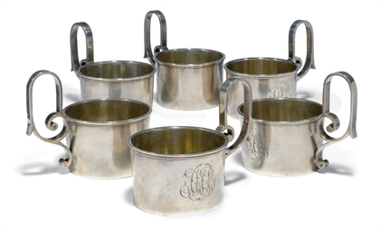 A SET OF SIX RUSSIAN SILVER TE
