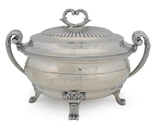 A GEORGE III SILVER TUREEN AND