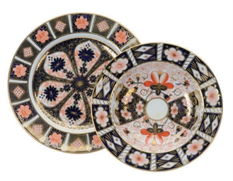 A SET OF TWELVE ENGLISH IMARI