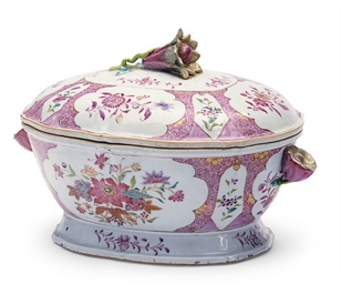 A CHINESE EXPORT-STYLE TUREEN
